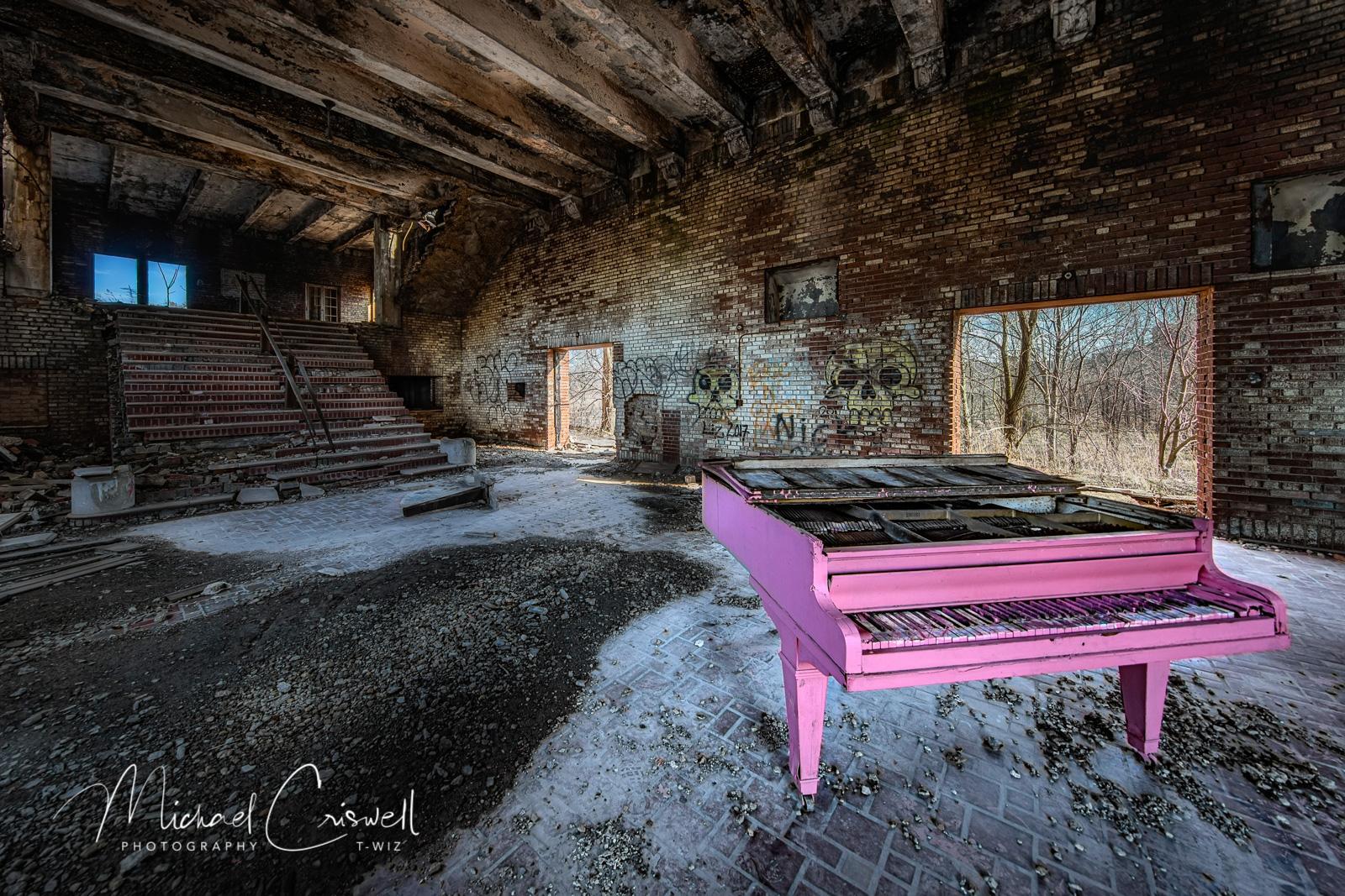 4-2020-Pink-Piano